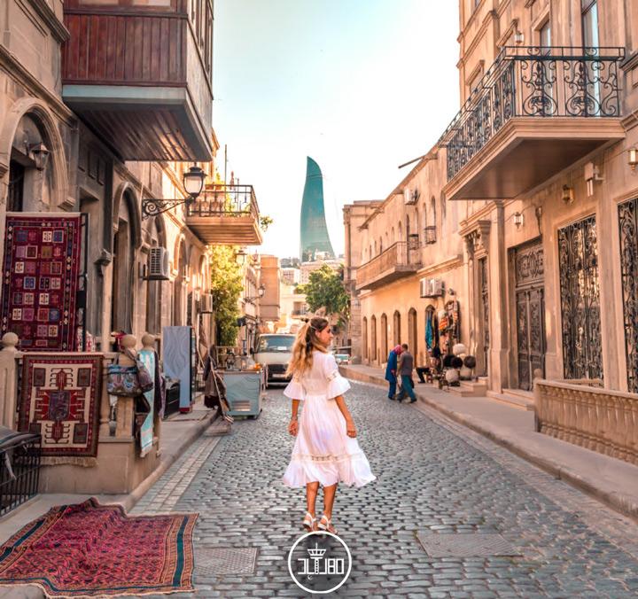 بازار قدیمی باکو دختر