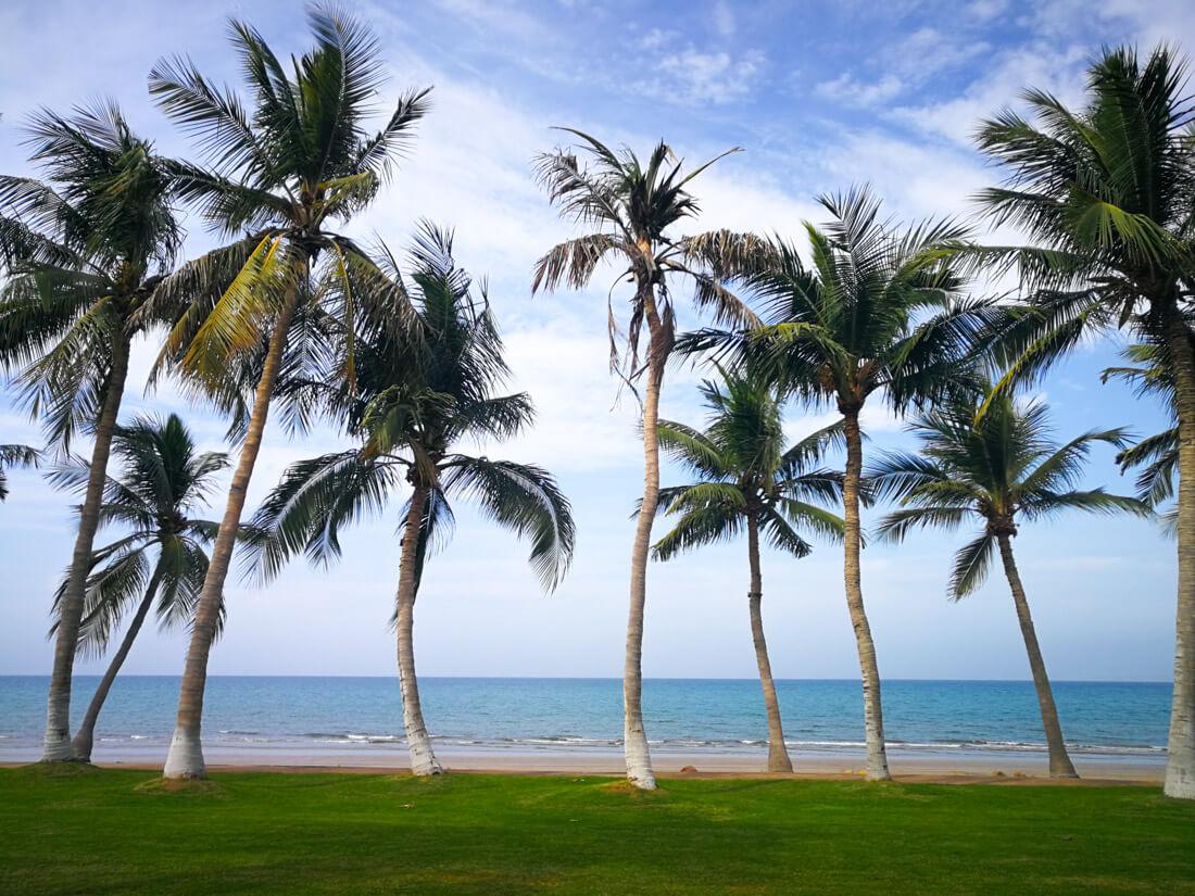 ساحل القرم مسقط غمان