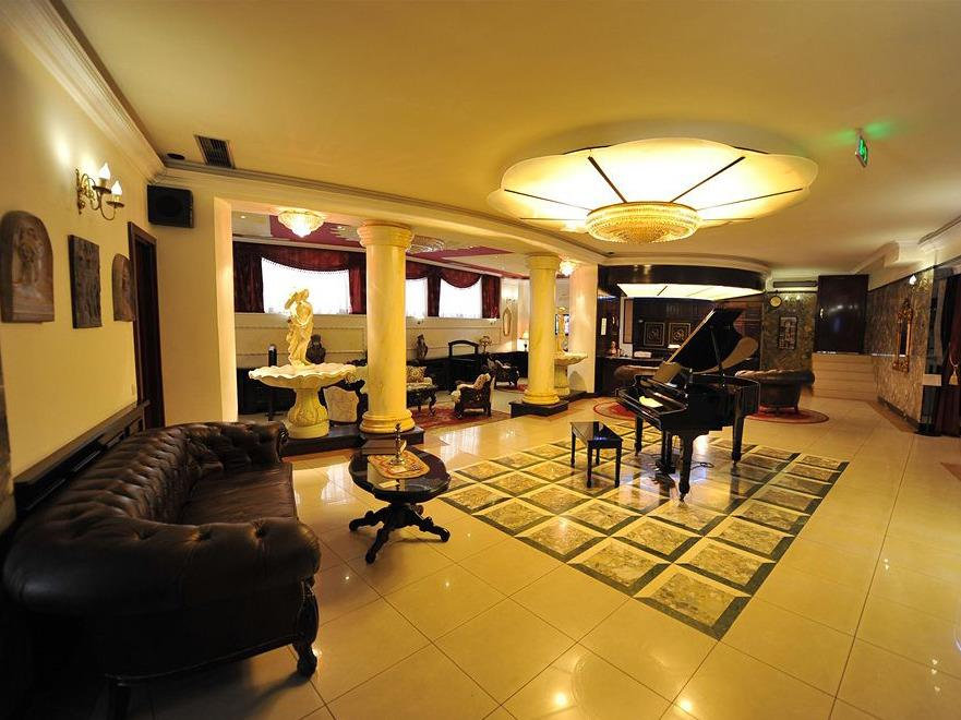 هتل کویین آستوریا بلگراد